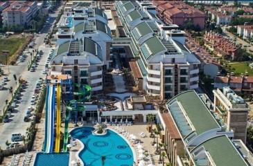 هتل کریستال واترورلد ریزورت آنتالیا _ بلک