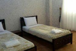 اتاق سه تخت رو به دریا